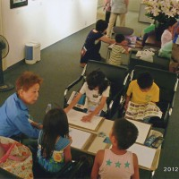 「小さなテーブル」の移動教室風景 茨木市立ギャラリーでの教室時間