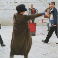 スプリット(城壁内)旧市街で音楽に合わせて楽しくダンスをした時間。道ゆく人もニコニコ(3)