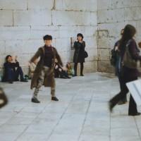 スプリット(城壁内)旧市街で音楽に合わせて楽しくダンスをした時間。道ゆく人もニコニコ(4)
