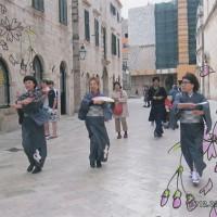 城壁内のメイン通りで「さくら・さくら」を踊った。着物も帯も持って行った(2)