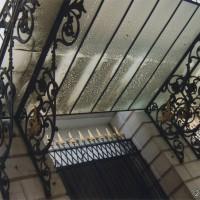 ベネチアのオペラ座の屋根下の装飾の素晴らしさは昔の繁栄が伺える