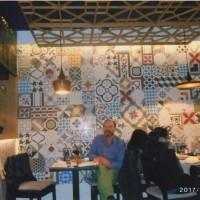 ボスニア料理のお店内。