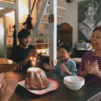 「小さなテーブル」のリュウちゃんも10月12日でした(イタリアからのケーキで)